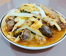 酸菜鸭肉的做法