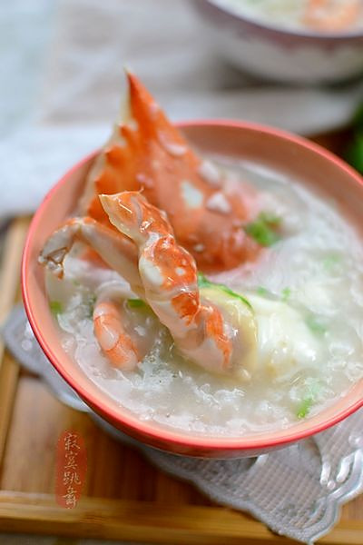 如何快速熬好一锅鲜美的【海鲜螃蟹粥】的做法