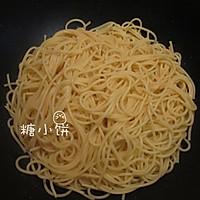 【酱油炒意面】中式炒面的方法做意面 的做法图解5