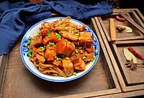 #就是红烧吃不腻!#红烧肉煮笋干的做法