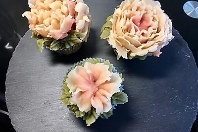 豆沙裱花蔓越莓杯子蛋糕