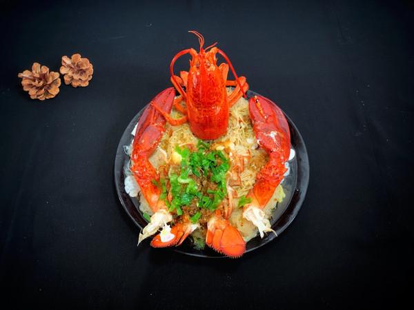 #新年开运菜,好事自然来#蒜蓉粉丝蒸龙虾的做法