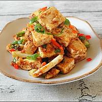 炒鸡下饭的咸蛋黄金沙脆皮豆腐的做法图解6