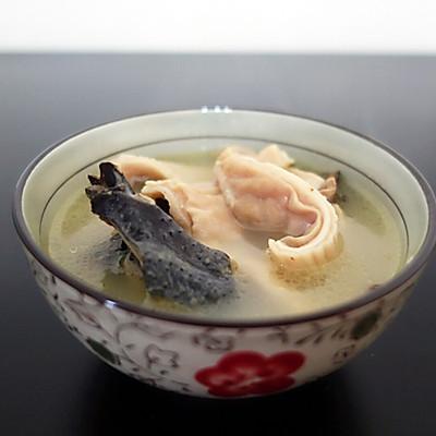 砂锅猪肚煨乌鸡