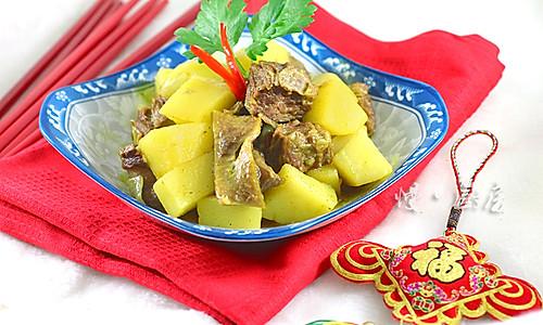 咖喱土豆炖牛肉的做法