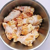 #精品菜谱挑战赛#不放一滴油的黄金炸鸡腿的做法图解2