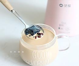 香浓红豆仙草奶茶的做法