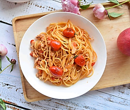 西红柿洋葱意面的做法