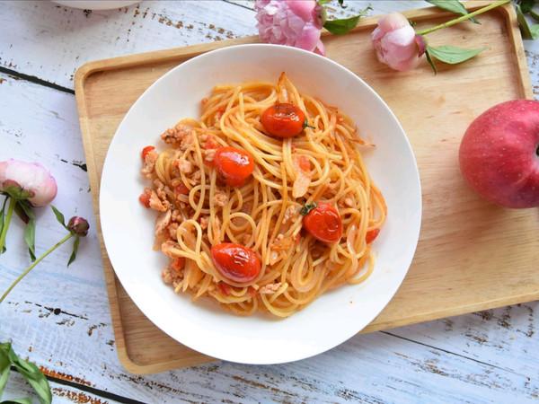 西红柿洋葱意面