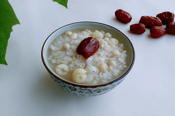 稷莲米枣红花生的做法