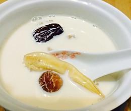 红枣桂圆干冰糖牛奶炖花胶的做法