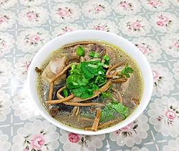茶树菇公鸡煲的做法