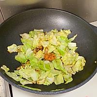 #好吃不上火#油腐乳包菜炒肉的做法图解6