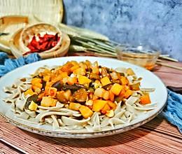 粗粮细作-茄丁打卤手擀荞麦面的做法