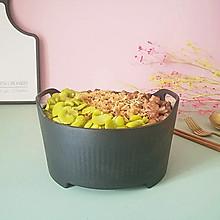 蚕豆肉丁焖饭,好吃又解馋