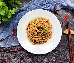 #花10分钟,做一道菜!# 凉拌杏鲍菇的做法