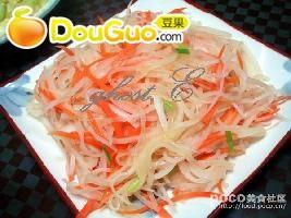 葱香双色萝卜丝的做法