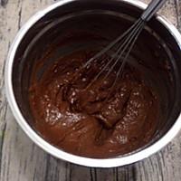 淡奶油巧克力戚风的做法图解9