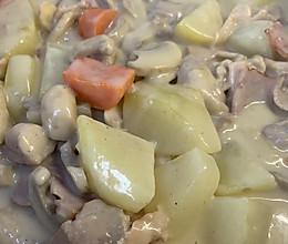 白汁口蘑炖鸡肉的做法