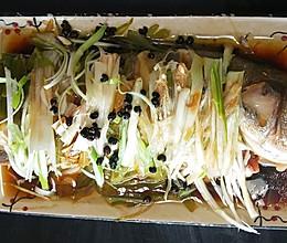 #餐桌上的春日限定#清蒸海鲈鱼的做法