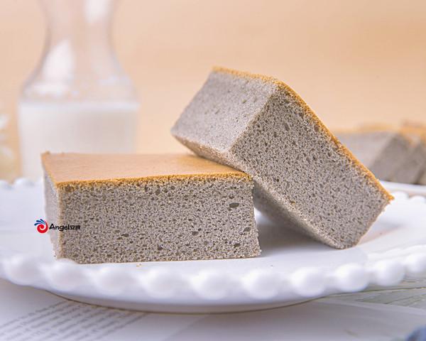 补钙乌发!黑芝麻味古早蛋糕,柔软又香浓,一秒光盘!的做法