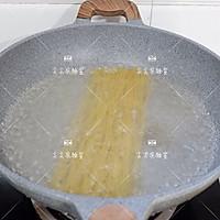 菠菜青酱海鲜意面的做法图解4