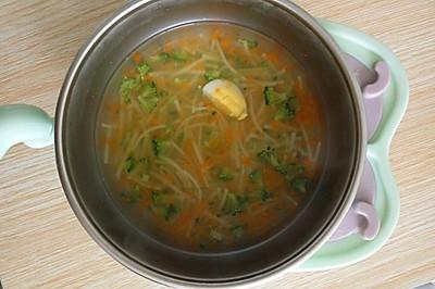 蔬菜鸡汤面