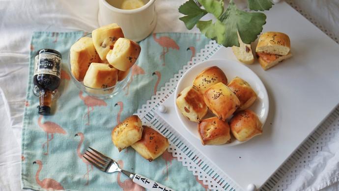 创意面包|葡萄干、碧根果优格小面包#硬核菜谱制作人#