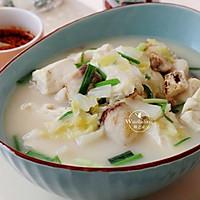 【豆腐炖鱼汤】#快手又营养,我家的冬日必备菜品#的做法图解1