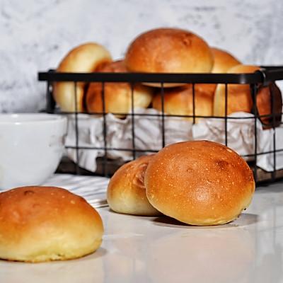 早餐中的香奈儿NO.5:黄油小餐包