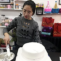 情人节【专属】女王礼服蛋糕裱花的做法图解4