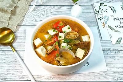 西红柿蛤蜊豆腐汤