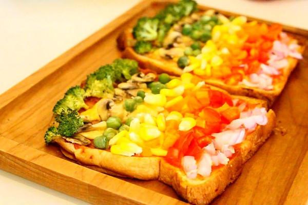 彩虹吐司披萨的做法