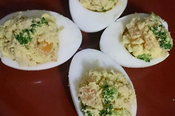 吞拿鱼鸡蛋盅的做法