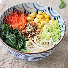 健康五谷蔬菜拌饭