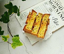 #精品菜谱挑战赛#蒜香吐司条的做法