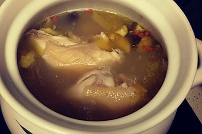 山药香菇炖鸡汤