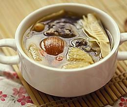麦冬玉竹乌鸡汤的做法
