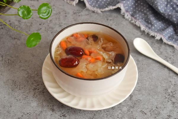 红枣银耳羹,美白又补水的做法