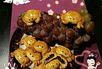 螃蟹月饼(迷你小河蟹)的做法