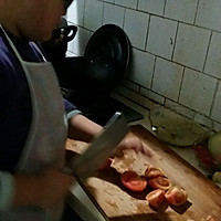 西红柿鸡蛋汤面的做法图解1