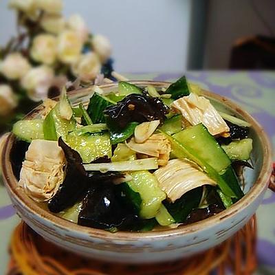 腐竹木耳拌黄瓜