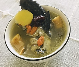 乌鸡当归养颜汤的做法
