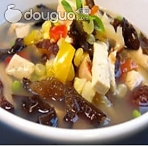 消脂番茄木耳豆腐汤的做法