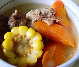 广式排骨玉米胡萝卜煲汤的做法