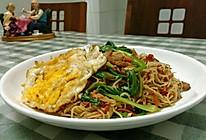 肉丝胡萝卜鸡蛋青菜炒面的做法
