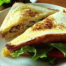 滑蛋三明治