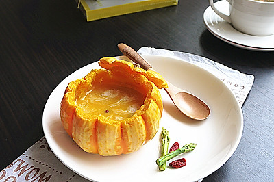 节日宴客甜汤--原盅南瓜奶油浓汤