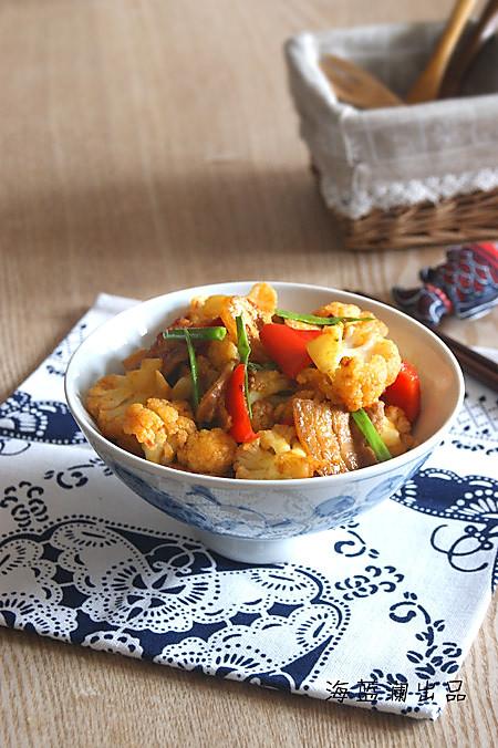 五花肉炒菜花的做法