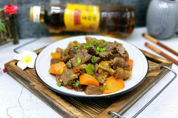 红烧牛肉#金龙鱼外婆乡小榨菜籽油,我要上春碗#的做法